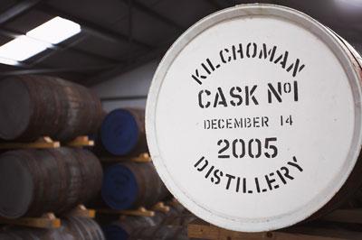 Armazém da Kilchoman com o primeiro barril