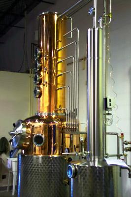 Destilador de coluna (column still)